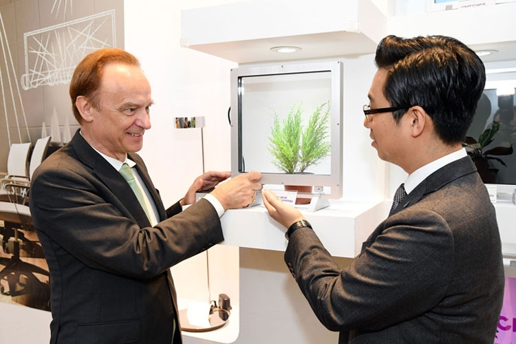Стенд Merck Korea на выставке International Meeting of Information Display (IMID) 2017 в Сеуле (Merck Korea)