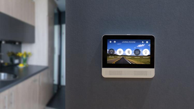 """Смарт-хабLynky стал первой «умной» колонкой с сенсорным дисплеем и поддержкой Google Assistant"""""""