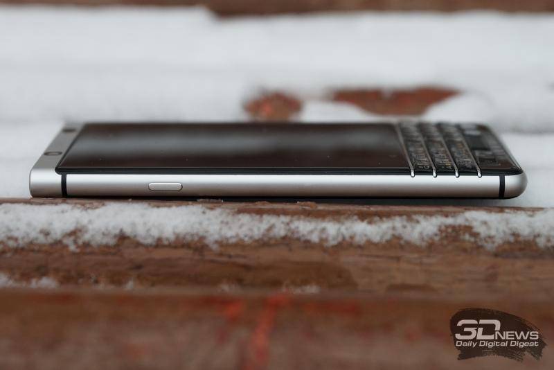BlackBerry KEYone, левая грань: клавиша включения