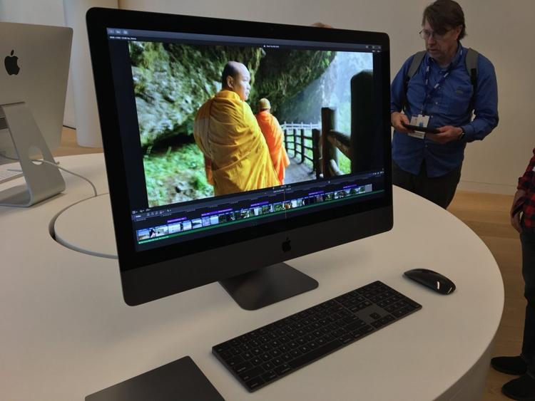 """Новый моноблок Apple iMac Pro показан «вживую»"""""""