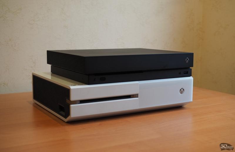 Каким же огромным Xbox One кажется на фоне «икса»!