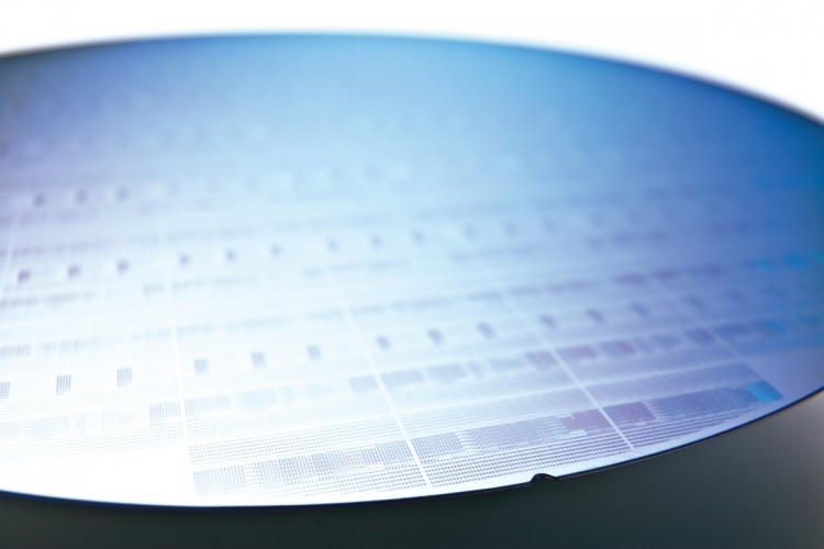 [Image: sm.asml_semiconductor_wafer.750.jpg]