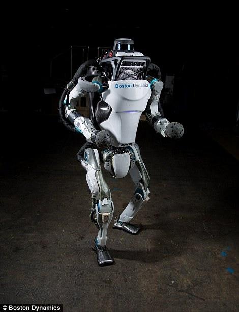 """Видео дня: робот Boston Dynamics Atlas делает обратное сальто"""""""