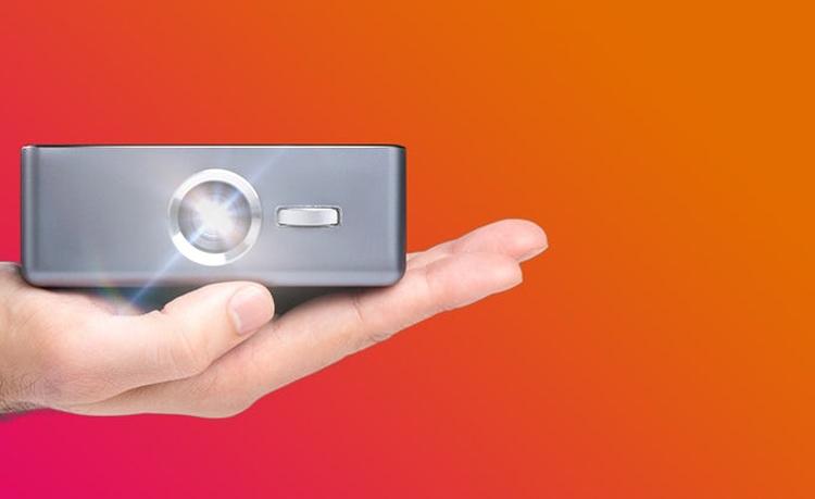 """«Умный» мини-проектор Sweam оснащён сенсорным экраном и чипом Snapdragon 625"""""""