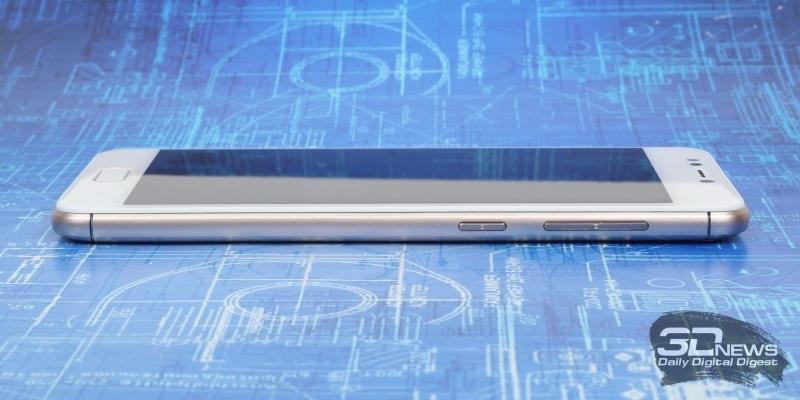 ASUS Zenfone 4 Max (ZC520KL), правая грань: клавиши включения и регулировки громкости