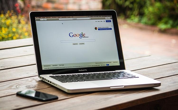 "Google ответила на запрос Роскомнадзора по поводу алгоритмов поиска"""