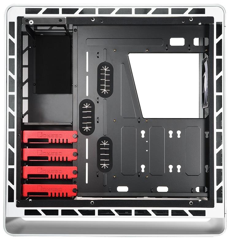Два 2,5-дюймовых SSD/HDD можно установить за поддоном для материнской платы