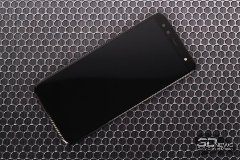 Blackview S8, лицевая панель: помимо дисплея – два объектива фронтальной камеры, разговорный динамик с индикатором, датчик освещенности и вспышка