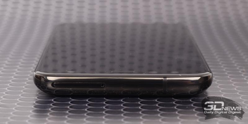 Blackview S8, верхняя грань: гибридный слот для карты памяти и SIM-карт