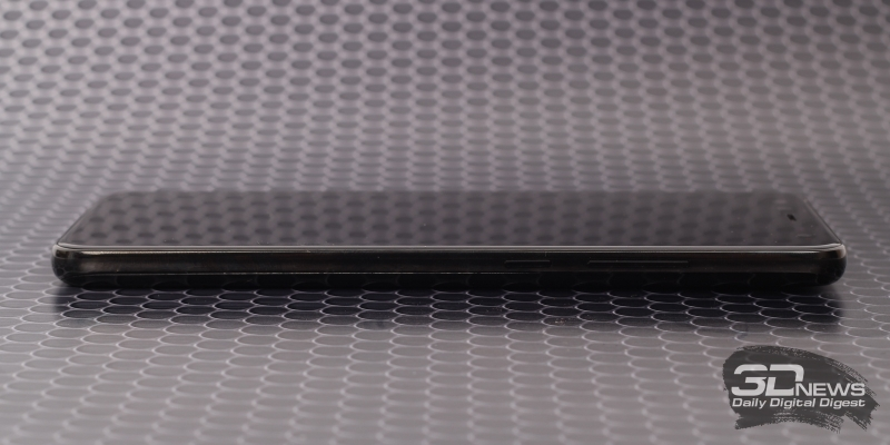 Blackview S8, правая грань: клавиши включения и регулировки громкости