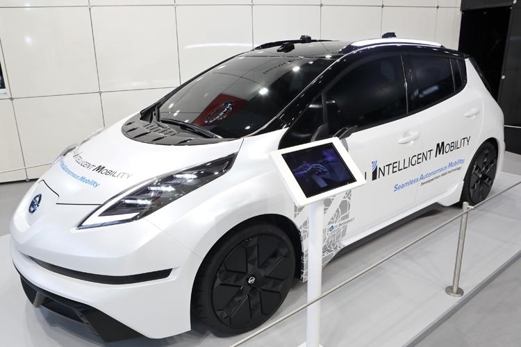 """Nissan готовится к публичным испытаниям роботизированных такси"""""""