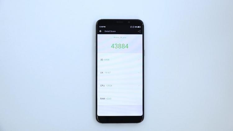 "Видео: подробности о полноэкранном смартфоне Bluboo S8 Plus"""