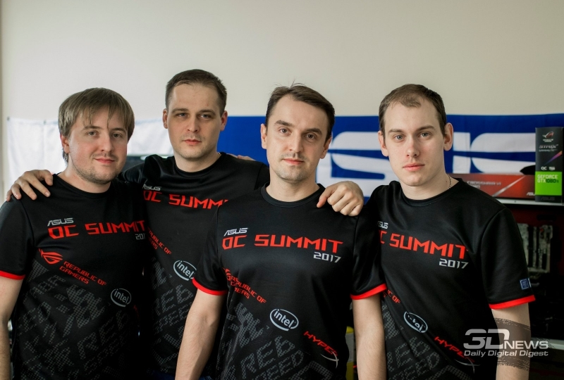 Представители Team Russia (слева направо): slamms, _12_, Smoke, Atheros