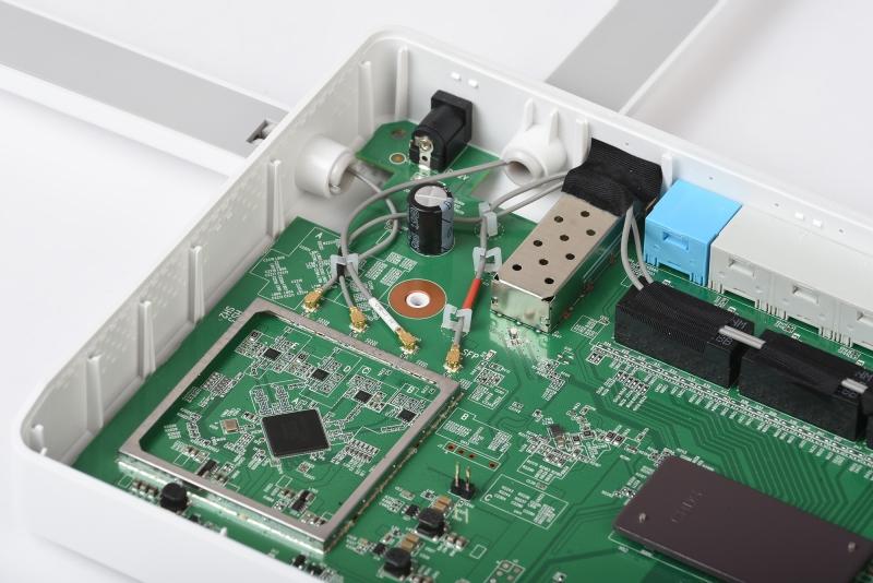 Усилители приёма и передачи сигнала Wi-Fi обоих диапазонов