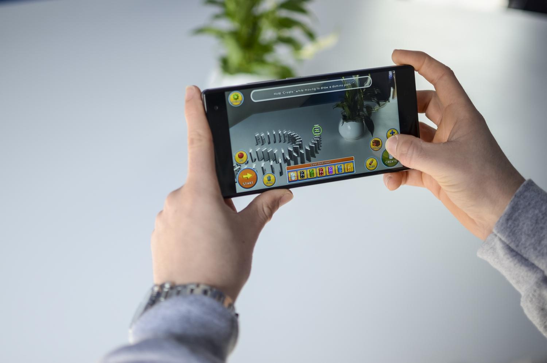 Появился тизер новоиспеченной модели 3D-очков отHTC