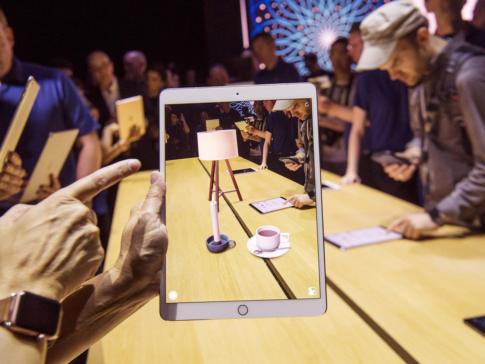 HTC Vive Pro: гарнитура виртуальной реальности сувеличенным разрешением монитора
