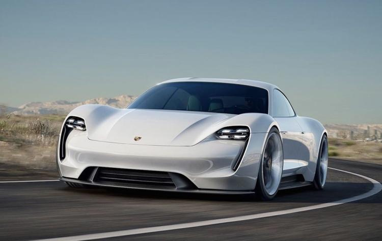"""Мощность электрокара Porsche Mission E будет достигать 670 «лошадей»"""""""