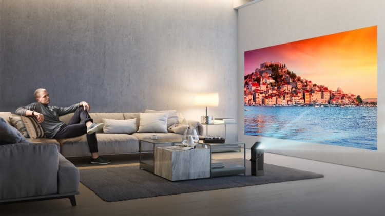 "4K-проектор LG способен выводить на стену 150-дюймовую картинку"""