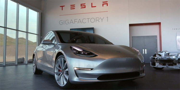 """Tesla провалила собственный план по поставкам электромобилей Model 3"""""""