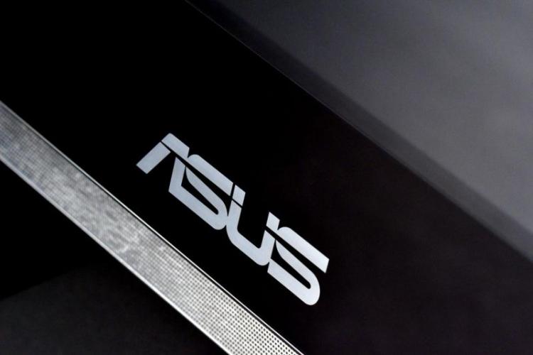 """ASUS ProArt PQ22UC: монитор OLED формата Ultra HD"""""""
