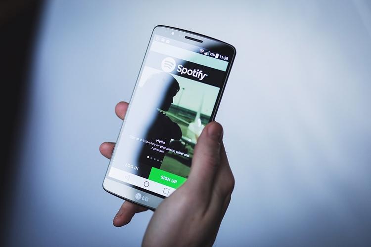 """Количество платных подписчиков Spotify достигло 70 млн"""""""