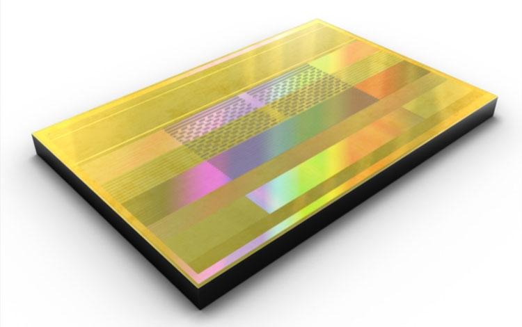 Чип (стек) Samsung HBM2 Aquabolt (второе покоелние 8-Гбит памяти HBM2)