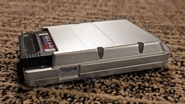 "CES 2018: Hyperkin представила свою версию Nintendo Game Boy — Ultra GB"""