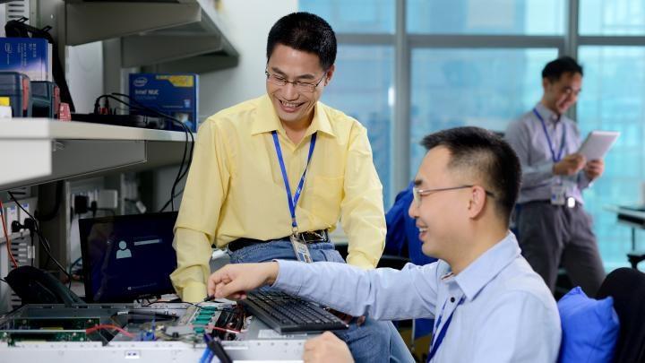 Специалисты  обнаружили новейшую  серьезную уязвимость втехнологии Intel