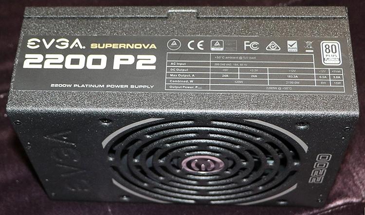 Блоку питания присвоен сертификат 80 PLUS Platinum для сетей 230 В