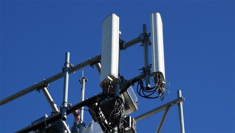 """ZTE планирует выпустить 5G-смартфон в течение года"""""""
