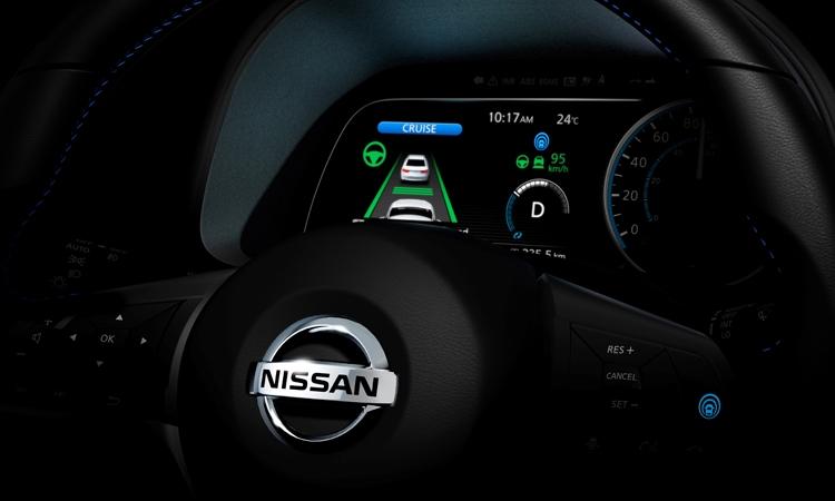 "Nissan и NASA ускорят разработку автопилота"""
