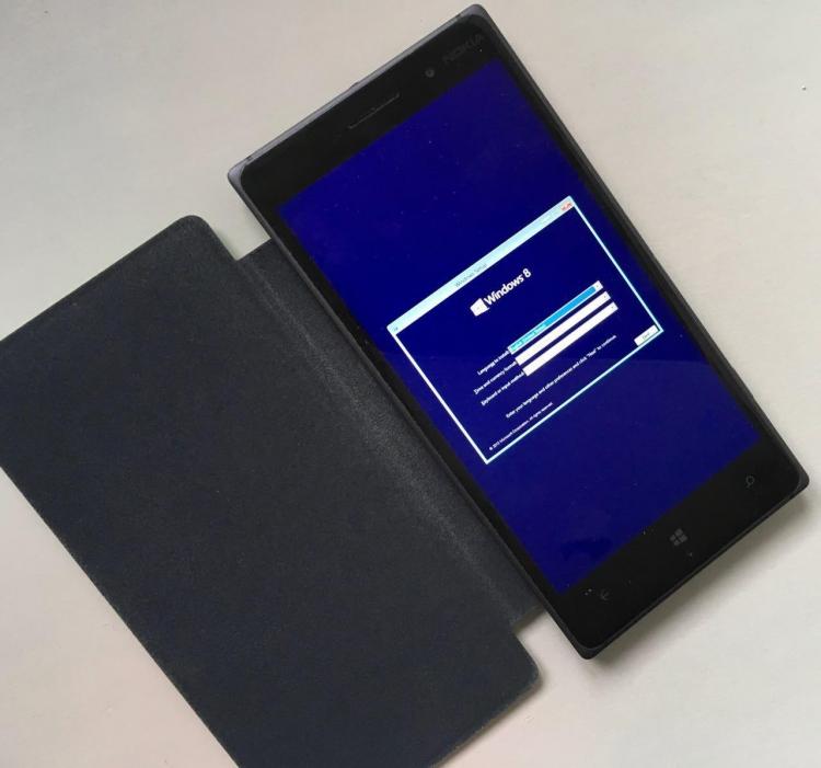 "Настольную Windows 10 ARM запустили на смартфоне Lumia 1520"""