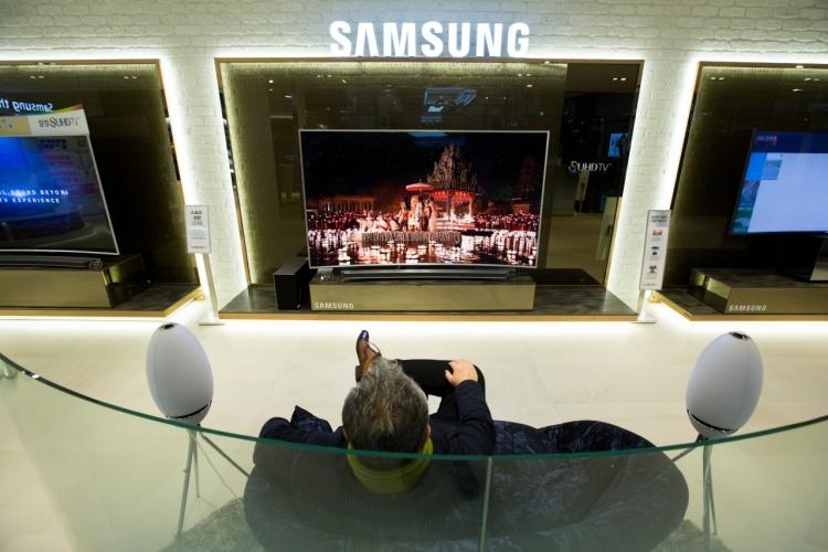 """Samsung готовится к выпуску телевизоров с дисплеями LG"""""""