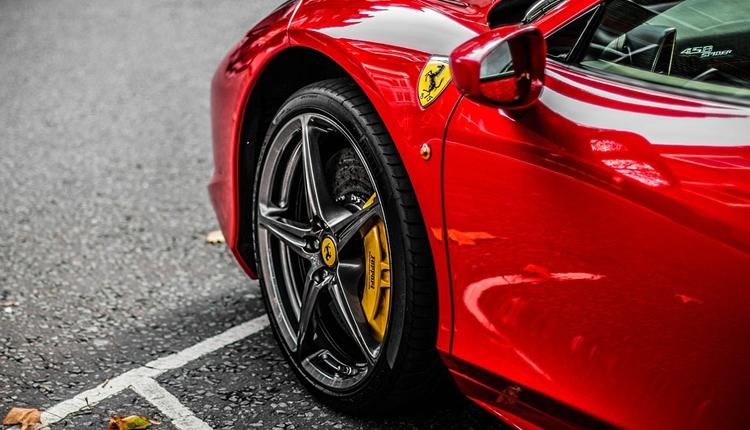 Ferrari планирует создать электрический суперкар