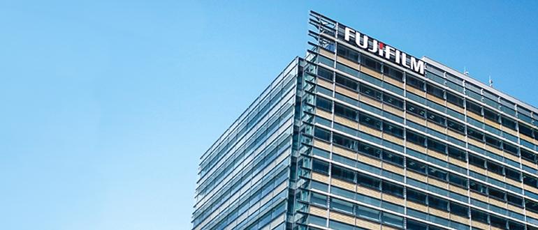 "Fujifilm получила контроль над Xerox"""