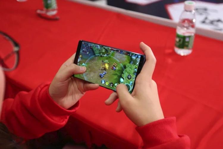 zte1 - ZTE выпустит под брендом Nubia игровой смартфон