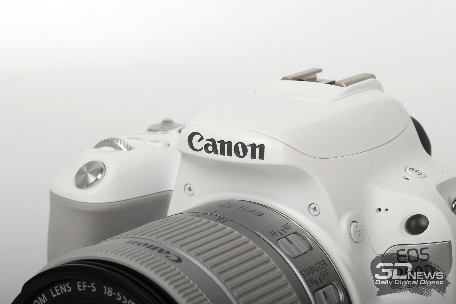 Обзор зеркальной фотокамеры Canon EOS 200D: природный враг беззеркалок