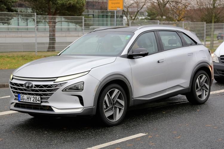 Пять автономных автомобилей Hyundai преодолели путь из Сеула в Пхёнчхан со скоростью больше 100 км