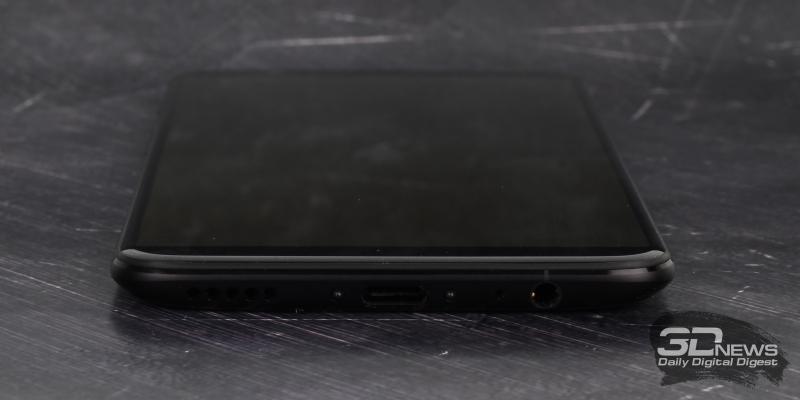 OnePlus 5T, нижняя грань: основной динамик, порт USB Type-C, разговорный микрофон и мини-джек для гарнитуры/наушников