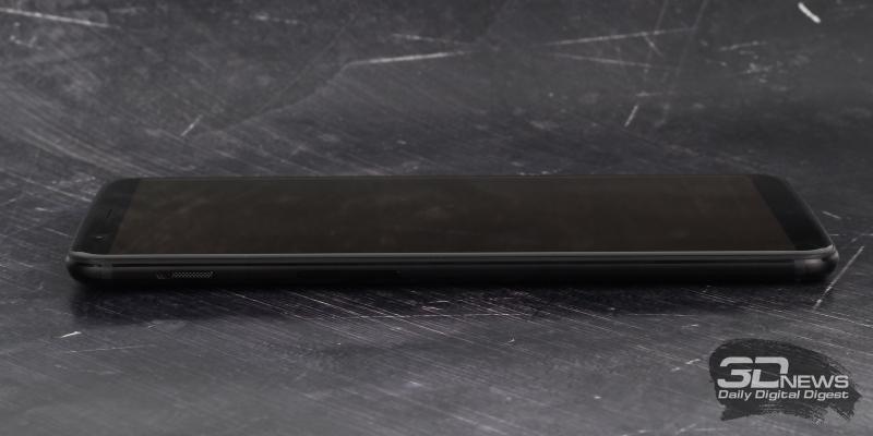 OnePlus 5T, левая грань: переключатель звуковых профилей и клавиша регулировки громкости/спуска завтора камеры