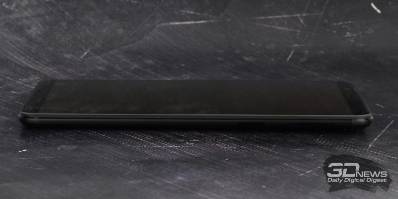 OnePlus 5T, правая грань: клавиша включения и слот для двух nano-SIM