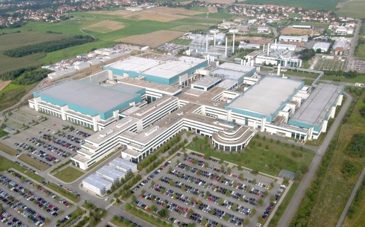 Заводской комплекс GlobalFoundries в Дрездене (бывший завод AMD)