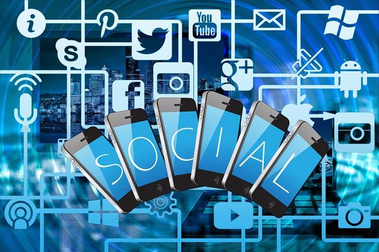 """Около трети россиян не пользуются социальными веб-сервисами"""""""