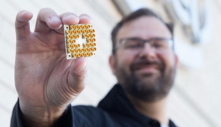 Опытный 17-кубитный квантовый процессор Intel