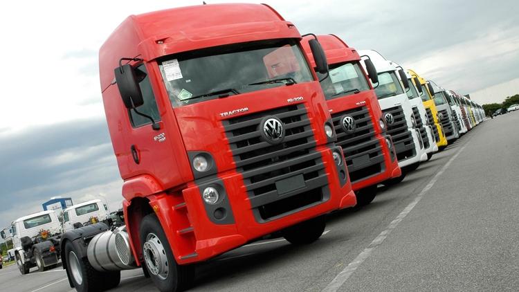 """Volkswagen планирует оснащать средствами связи WLANp все свои автомобили"""""""
