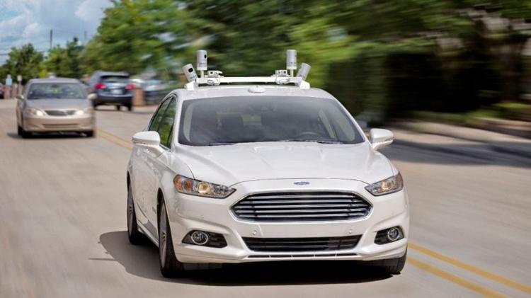 Ford: люди позитивно оценивают будущее беспилотных автомобилей