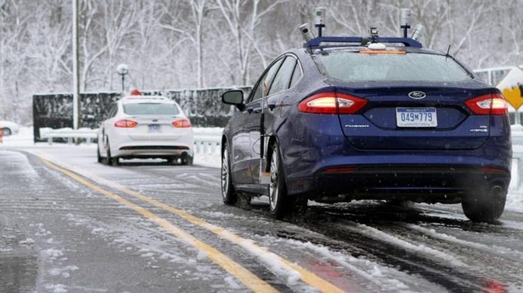 """Ford: люди позитивно оценивают будущее беспилотных автомобилей"""""""