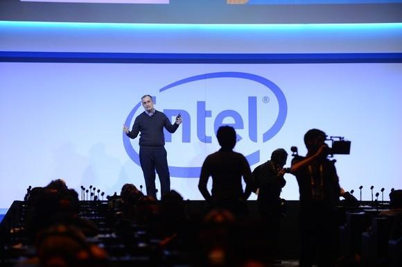 Intel признала, что её передовые 10-нм нормы уступают техпроцессам конкурентов