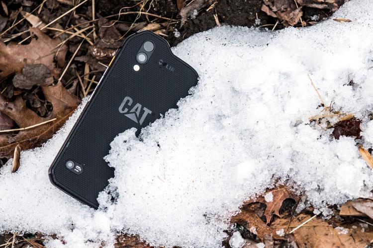 Cat S61— усовершенствованный смартфон степловизором