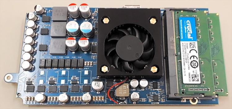 Опытный образец системной платы Smach Z: активное охлаждение SoC, слоты SO-DIMM